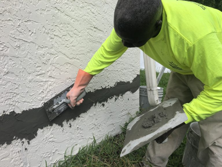 We fix Stucco Cracks